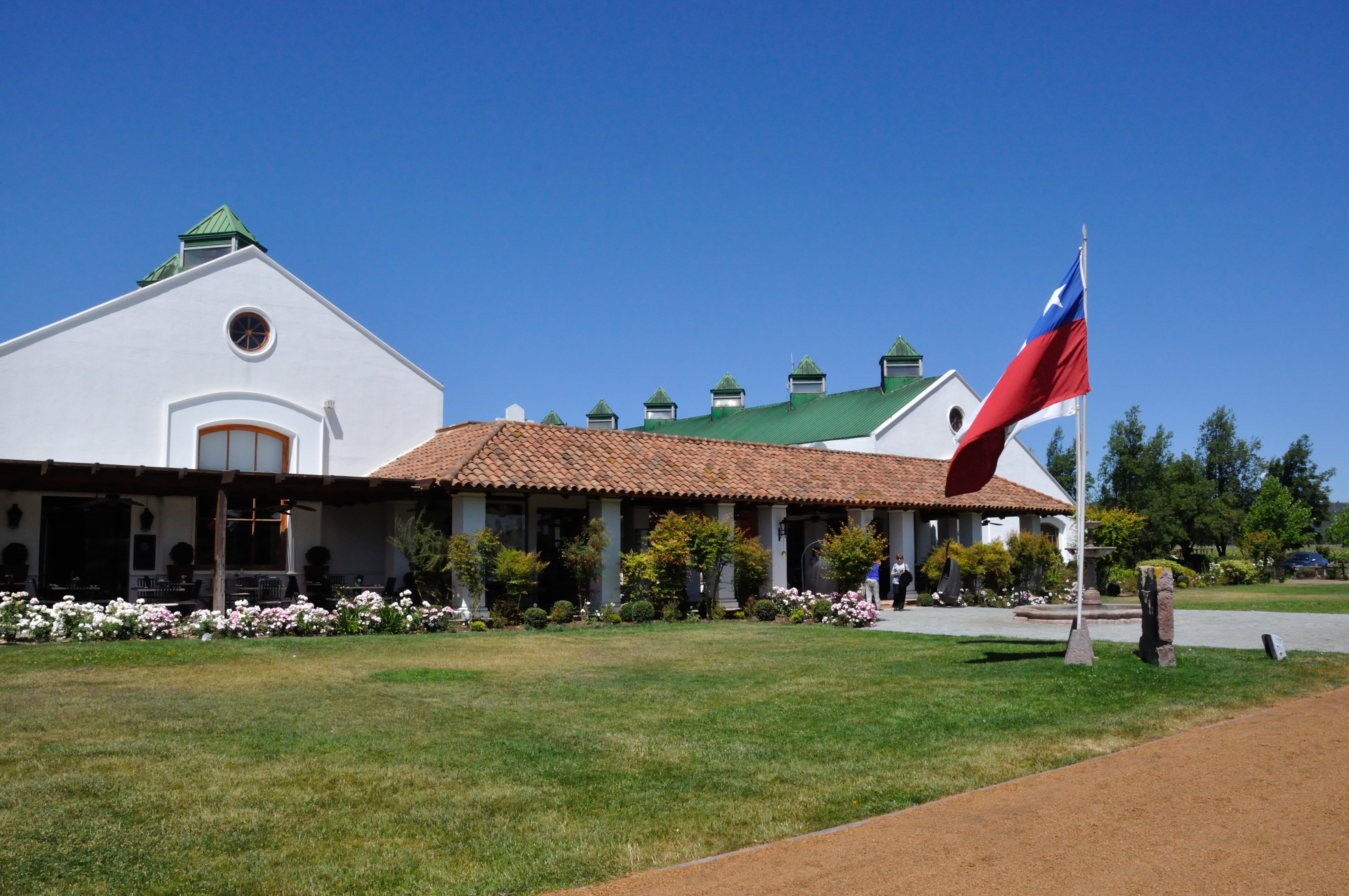 Santiago valparaiso and chilean wineries - Casitas del bosque ...